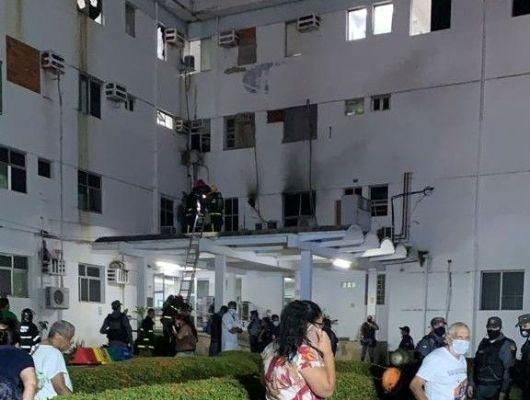 Incêndio atinge enfermaria do Hospital Geral; pacientes precisaram ser retirados (Crédito: Reprodução)