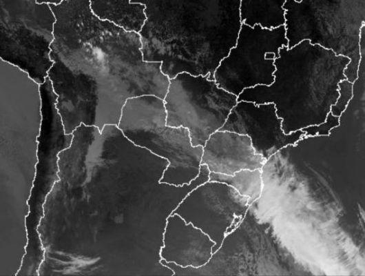 Frente fria avança pelo Brasil e chegará a Mato Grosso com chuva e muito frio (Crédito: Reprodução)