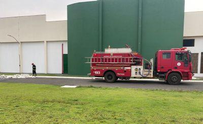 Incêndio atinge empresa de tecidos em Campo Verde
