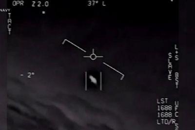 Pentágono divulga aguardado dossiê sobre OVNIs; aliens não são descartados