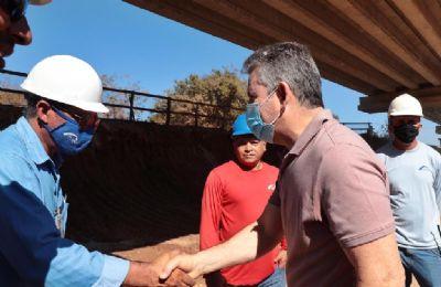 Mauro Mendes visita 13 municípios do Araguaia para entregar, vistoriar e lançar obras