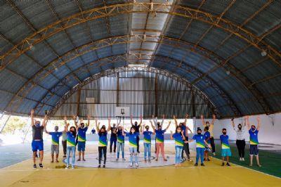 Quadra esportiva é reinaugurada e projeto horta pedagógica é lançado em Chapada
